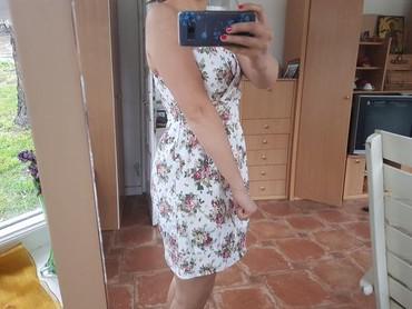Nova haljinica, M(38) 98 % pamuk,2% elastin, na krajevima se sužava - Beograd - slika 2
