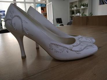 Туфли белого цвета один раз на свадьбу в Бишкек