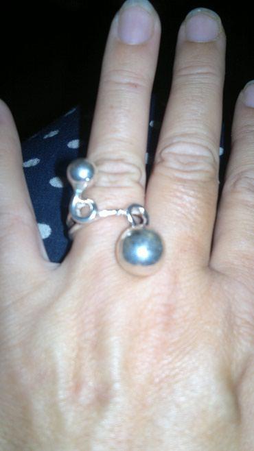 Srebrni, neobican, asimetrican, prsten, sa bombicama, pravo srebro (ne - Belgrade