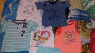 Домашняя одежда на 3-4 года. 3 майки, 2 футболуи и 2 шорт за 150 сом