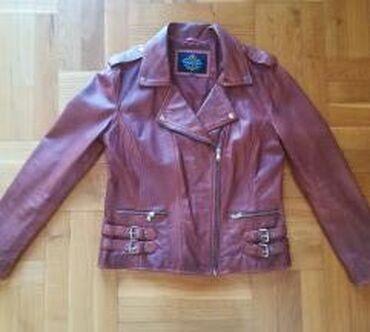 NOVA kozna jakna, nikada obucena. Cena je 4000rsd. Naznacena velicina