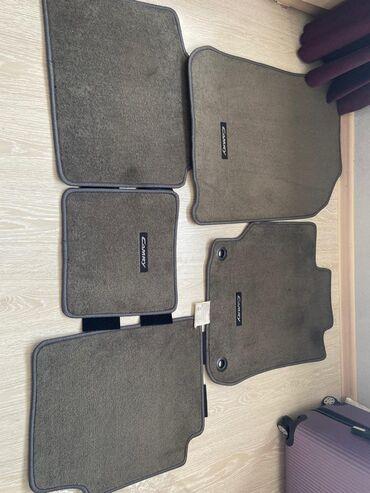 большие-машины-для-детей в Кыргызстан: Продаю коврики ( полики ) Родные на Камри 50! Состояние новое!