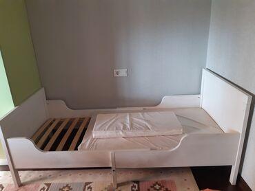 """Односпальные кровати - Кыргызстан: Детская кровать от """"Ikea"""", дерево, в хорошем состоянии, с матрасом"""