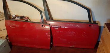 авто в рассрочку в джалал абаде in Кыргызстан   ДРУГОЕ: Двер хонда фит 2 штуки правая старона одна дверь с стеклоподъёмной кно
