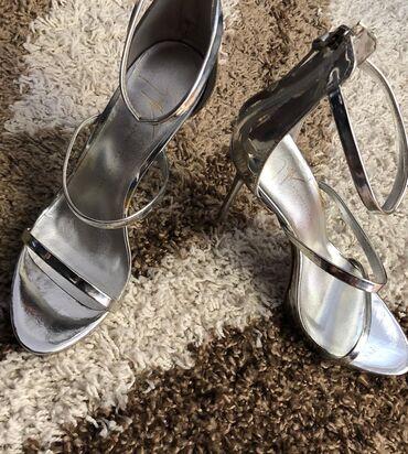 Guiseppe zanotti original sandale Br 38