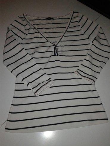 1148 oglasa: Dve bluze i kosulja lanena za 300 din. Velicina s