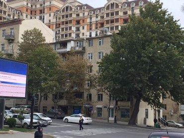 Bakı şəhərində Около Русского посольства по улице Бакыханово в экспериментальном