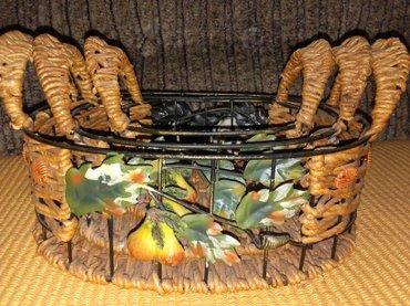 Pleteni prslici - Srbija: Prelepe pletene korpice,kombinacija metal i pruce,ne koristeno