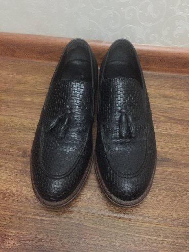 tufli lodochki 39 razmer в Кыргызстан: Продаю мужские туфли 39 размера. Кожаные в очень хорошем состоянии
