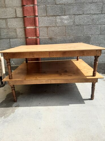 Стол | Гостевой, Другое назначение стола | Нераскладной, Другой механизм стола