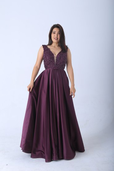 Платье Насыщенный цвет  Завышенная талия стройнит и удлиняет силуэт  П