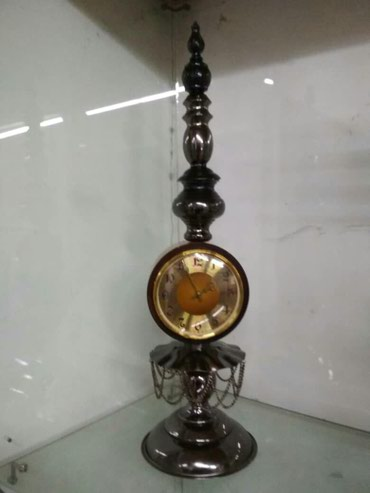 Ещё идут стариные часы