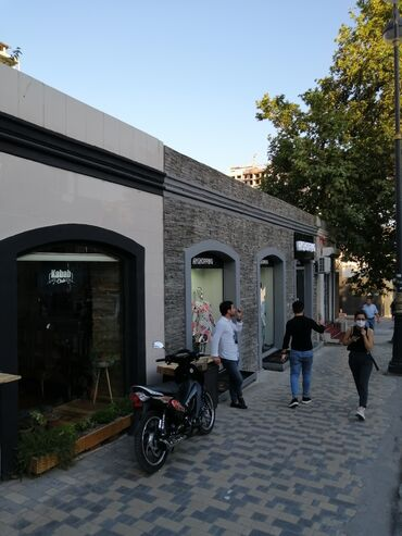 dostavka tovarov в Азербайджан: Salam obyekt 28 may metronun ikinci cixiwinda yerlewir 30 kv metr dir
