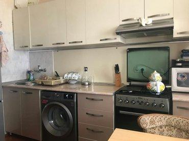 - Azərbaycan: Mənzil satılır: 4 otaqlı, 90 kv. m