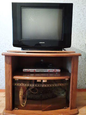 Срочно продаю, телевизор с подставкой в отличном состоянии