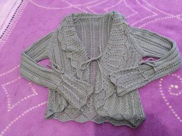 Prelepi džemperić, kao nov, heklan, sa zanimljivim rukavima, vel. M - Pancevo