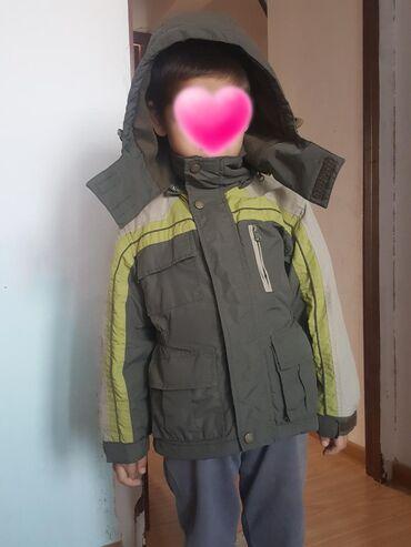 детская качественная одежда в Кыргызстан: Продаю детскую куртку. Деми. Отличного качества. В отличном