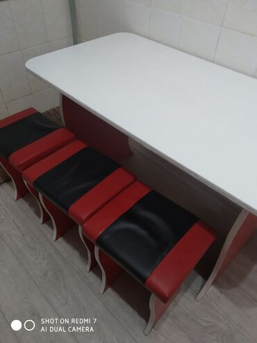 Б/у кухонный уголок стол - 3 стул комплект Ош шаары Анар 17 аВотсап