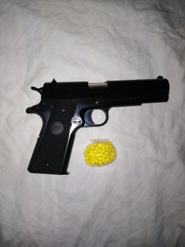 AIRSOFT pištolj KWC Colt 1911 Spring kao nov nekorišćen. GRATIS 130 BB