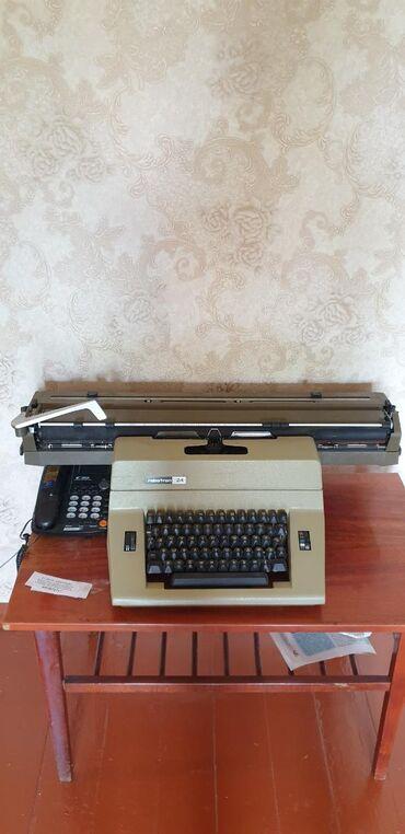 Антиквариат - Кыргызстан: Продаю абсолютно новую печатную машинку robtron 24