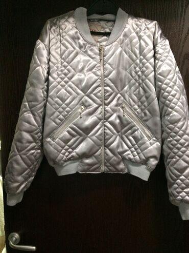 Zenska kapa - Srbija: Zenska kratka jakna,velicina m
