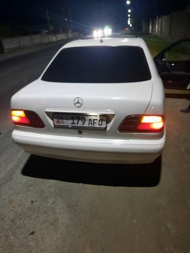 Mercedes-Benz E 220 2.2 л. 2001 | 256000 км