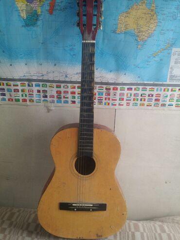 Музыкальные инструменты - Бишкек: Продаю гитару на можно восстановить