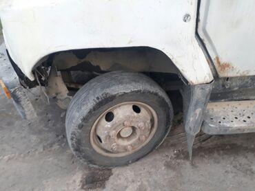 шины для грузовиков в Кыргызстан: Продаю зил бычок запчасть корбка балон шина балка мотор и другие