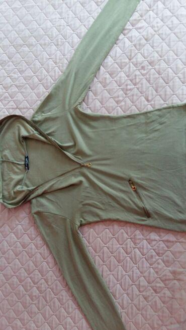 Dukserica na zakopcavanje - Srbija: Ženska majica dug rukav vel. M polovna i ocuvana,bez ostecenja