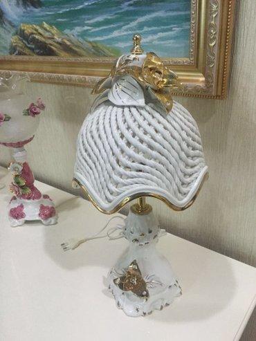 Bakı şəhərində Italiya istehsali keramik el islemesi svarovski qaslarla bezedilmisdir