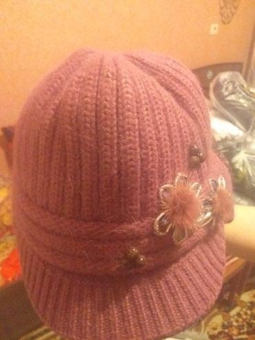 Продаю шапку + с розовым шарфом в Бишкек