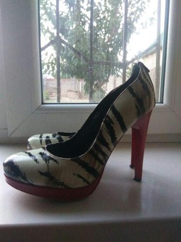 Продам женские туфли размер 38. в Бишкек
