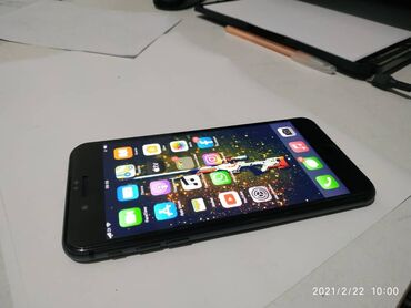 Apple Iphone - Состояние: Б/У - Бишкек: Б/У iPhone 8 Plus 64 ГБ Черный