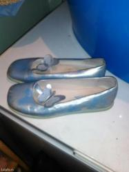 Izuzetno povoljno! Cipele br 41, (manji kalup40) - Batajnica