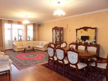 - Azərbaycan: Mənzil satılır: 3 otaqlı, 145 kv. m