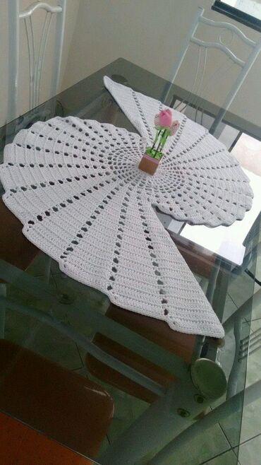 Tekstilna industrija - Srbija: Stolnjak za veći i manji sto . Može komplet, može posebno.Cena je za k