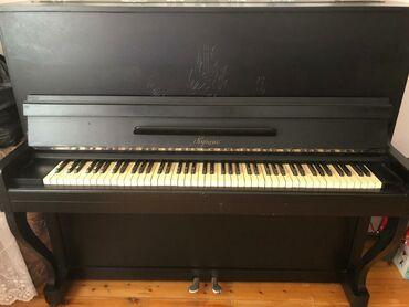 Musiqi alətləri Yevlaxda: Piano kuban.Teptezedi .Bir el calinib.Unvan Yeni Gunesli