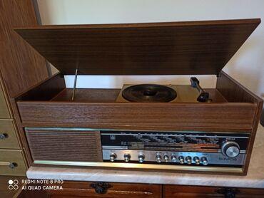Gramofon - Srbija: Radio Savica Iskra(sa gramofonom)! U extra stanju!