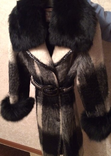 Натуральное итальянское пальто из ламы. Воротник и манжеты(натуральный в Бишкек