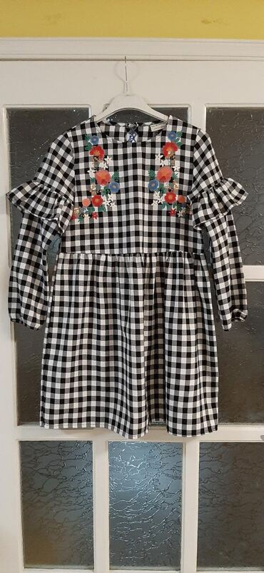 WAIKIKI haljina, vel 9-10 god (134-140cm).Nosena 2 puta, bukvalno kao