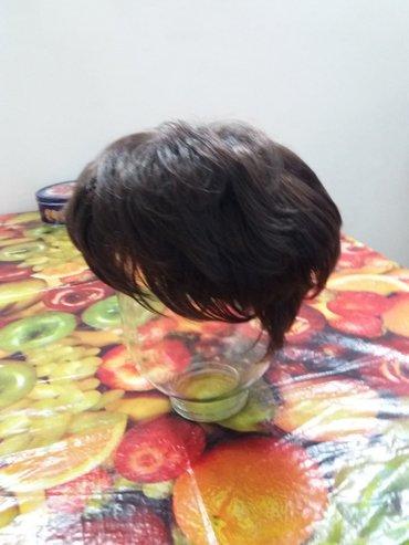 Продаю новый искуссветнный парик. Цвет каштан, короткая стрижка. в Бишкек