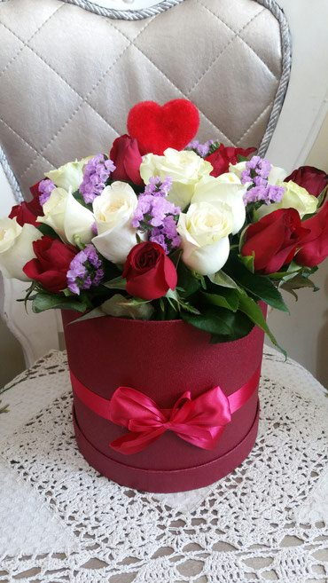 Розы в шляпных коробках.Заказ и в Бишкек