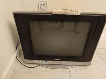 Köhnə Samsung Televizor. Çox səliqəli işlənib, saz vəziyyətdədir