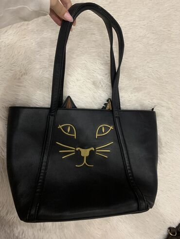 Аксессуары - Бишкек: Очень красивая, дизайнерская сумочка. Вместительная, состояние хорошее