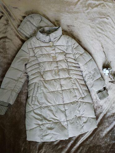жён куртка в Кыргызстан: Женская зимняя куртка, холлофайбер, в хорошем состоянии. Есть ещё