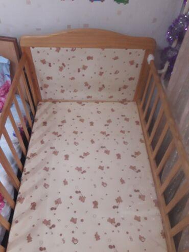 бу детские кроватки в Кыргызстан: Продаётся детская кроватка -манеж) имеет два положения, место для