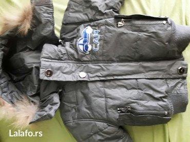 Jedna-majca - Srbija: Paket. Jedna zimska jakna,i jedna za jesen za uzrast 1-2 god. Poklon