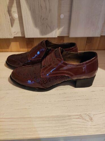 sapogi zhenskie 37 razmer в Кыргызстан: Абсолютно новыйе турецкие туфли отличного качества, маломерят на 37