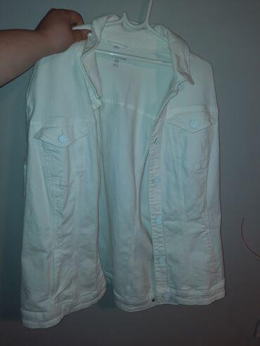 Deciji sako - Backa Topola: Nova bela teksas jaknaNova, bez ostecenja, odgovara za grudi do 140cm