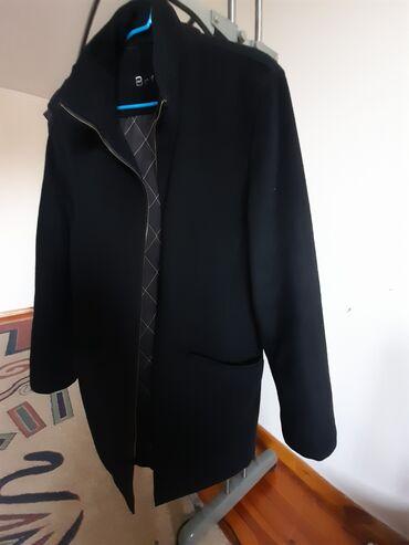 Пальто - Бишкек: Кашемировая утепленная германская пальто,состояние идеальное,размер